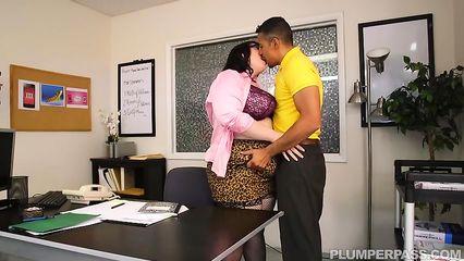 Порно упругая попка