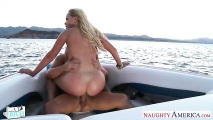 Секс с большой жопой