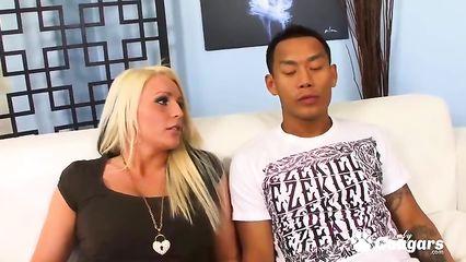 Секси попа