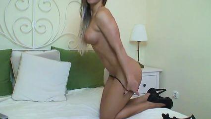 Секс первый раз видео