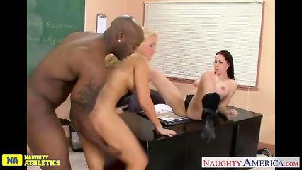 Порно в тату салоне